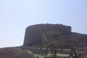 """قلعة صيرة.. """"حصن عدن"""" الذي حطّم مطامع الغزاة"""