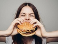 تعرف على سر رغبتك فى تناول الطعام رغم انعدام الجوع