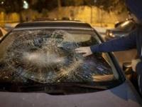 مستوطنون ينفذون هجوما على مركبات المواطنين الفلسطينيين