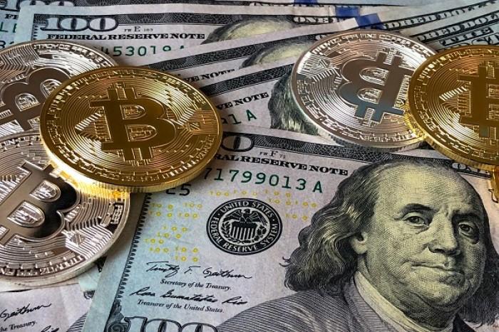 العملات المشفرة تصاب بانتكاسة أمام الدولار