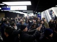 إضراب وسائل النقل في فرنسا يدخل يومه العاشر (صور)