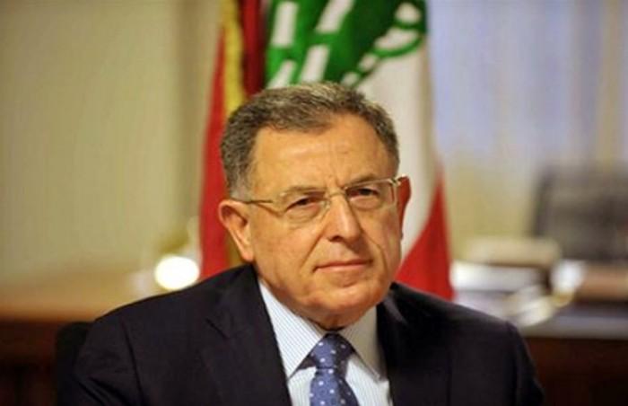 طرد فؤاد السنيورة من احتفال في بيروت (فيديو)