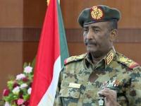 البرهان يتعهد للشعب بتسهيل العملية الديمقراطية في السودان