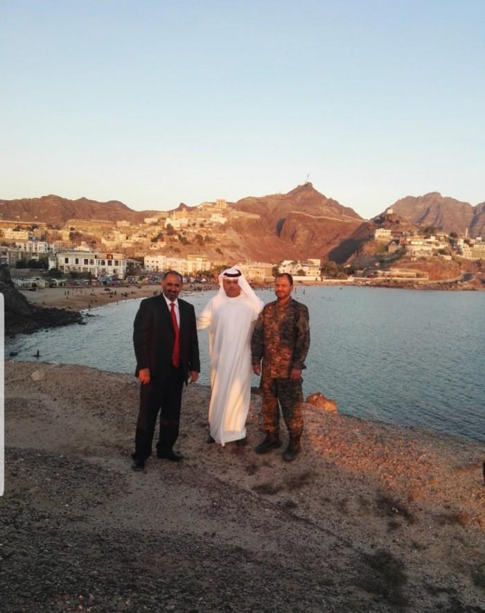 إعلامي يوجه الشكر لمحمد بن زايد بعد دعمه لخطة الزُبيدي لتحرير عدن