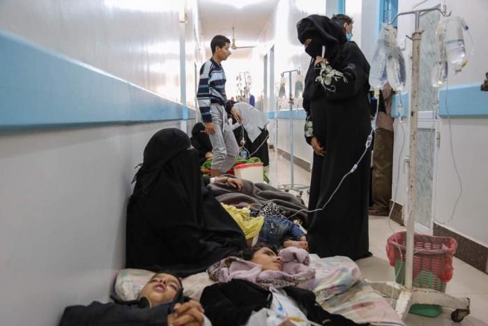 خنازير الحوثي في إب.. إهمال المليشيات ينهش أجساد الفقراء