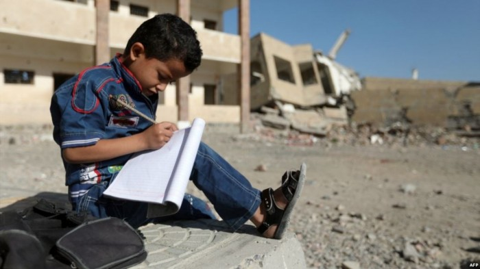 مادة جديدة بدون كتاب.. بطش حوثي ينشر مزيدًا من الطائفية