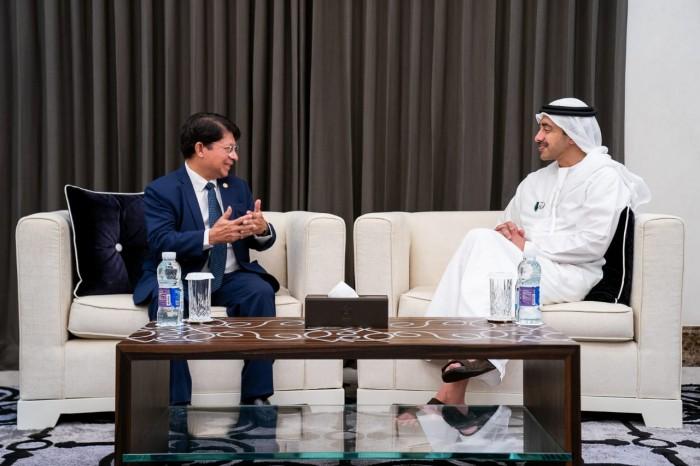 رئيس الإمارات يتلقى رسالة خطية من نظيره في نيكاراغوا