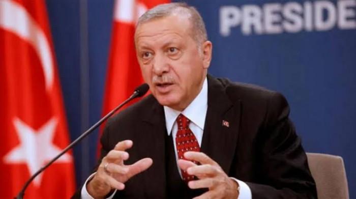صحفي يكشف فضيحة عن أردوغان ونظامه