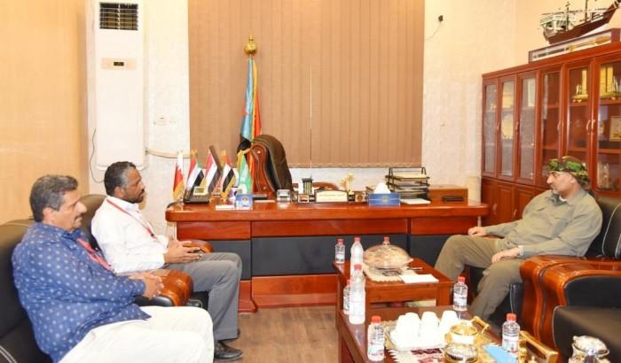 الزُبيدي يؤكد دعم الانتقالي لجهود منظمة أطباء بلا حدود بعدن