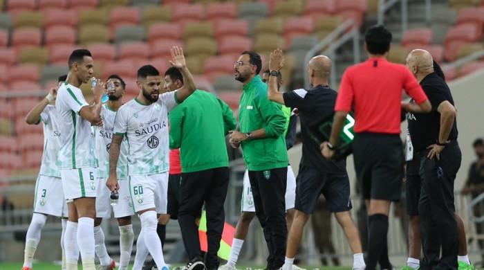 أهلي جدة يكتسح ضمك بخماسية في الدوري السعودي
