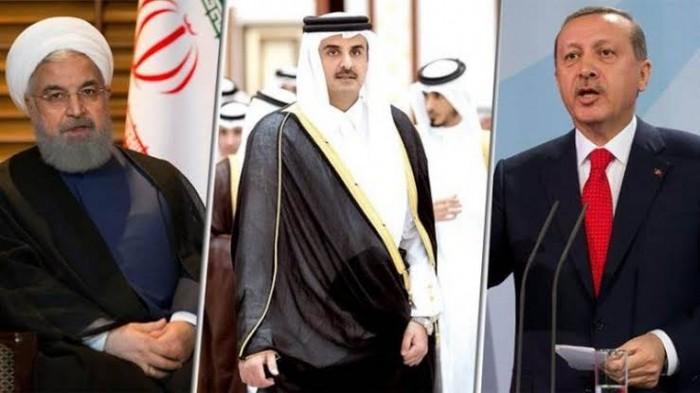 كاتب سعودي يُهاجم قطر بسبب قمة الضرار