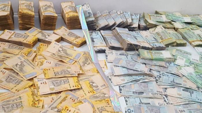 مليشيا الحوثي تسرق مليارات العملة الجديدة بدون ضمانات