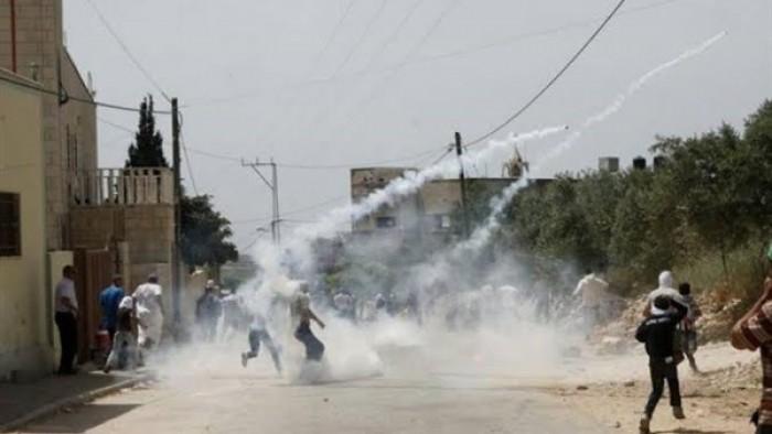 إصابة عشرات الفلسطينيين بالاختناق فى مسيرة بكفر قدوم