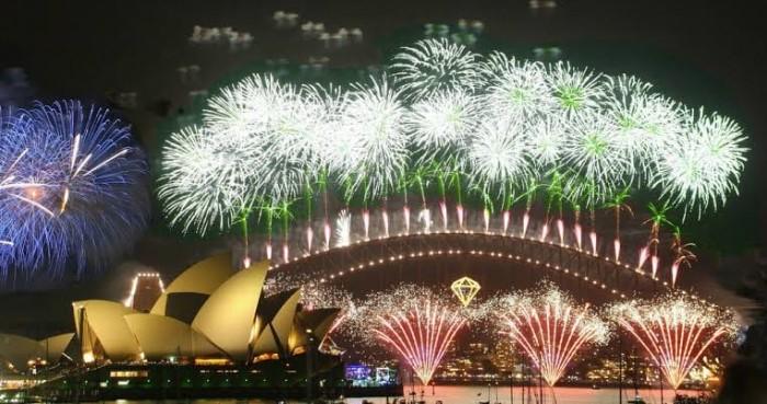 للمرة الأولى في تاريخ المملكة.. السعودية تحتفل بالعيد الميلادي الجديد