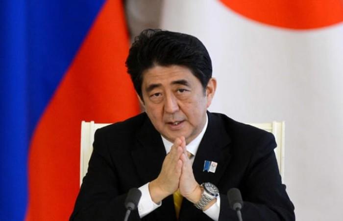 رئيس وزراء اليابان يؤكد أهمية تعزيز العلاقات مع الصين