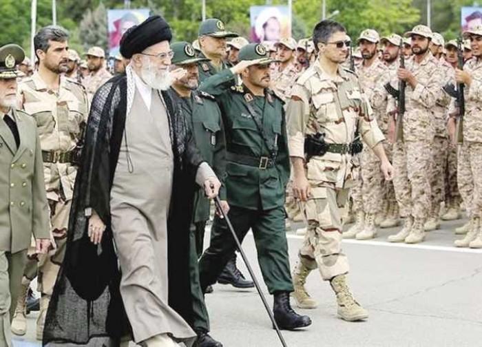 إيران تعلق على مقتل قيادي كبير بالحرس الثوري إثر غارة إسرائيلية على سوريا