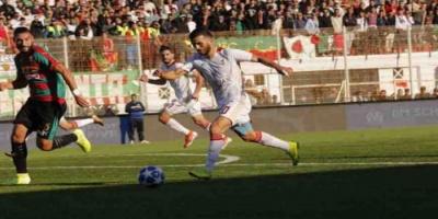 معاقبة شباب قسنطينة واتحاد بسكرة بخوض مباراة دون جمهور بالدوري الجزائري
