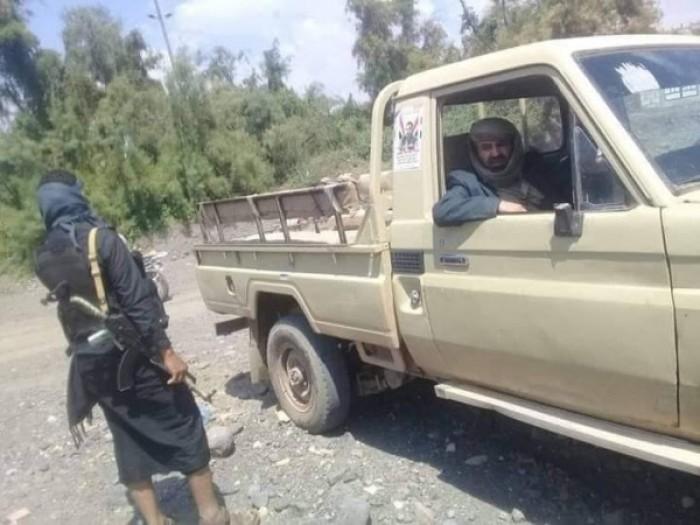 كمين مسلح يستهدف قيادياً حوثياً بارزاً في إب