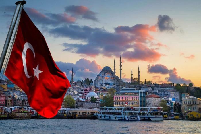 سياسي سعودي يتوقع انفجار الوضع في تركيا (تفاصيل)