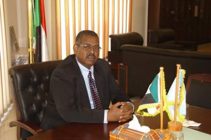 السلطات السودانية تلاحق رئيس الوزراء السابق بتهم فساد