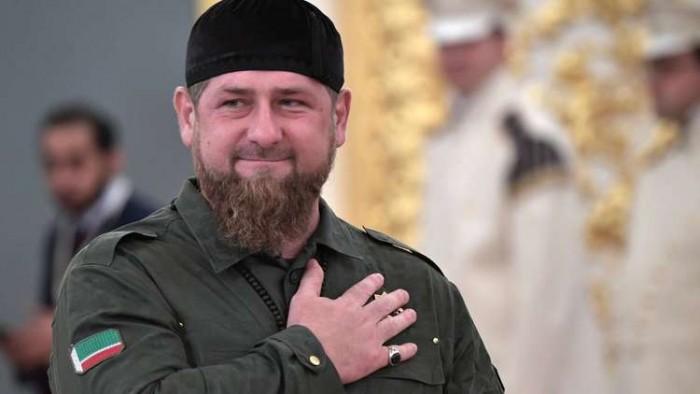 """تقليد رمضان قاديروف وسام """"خدمة دين الإسلام"""""""