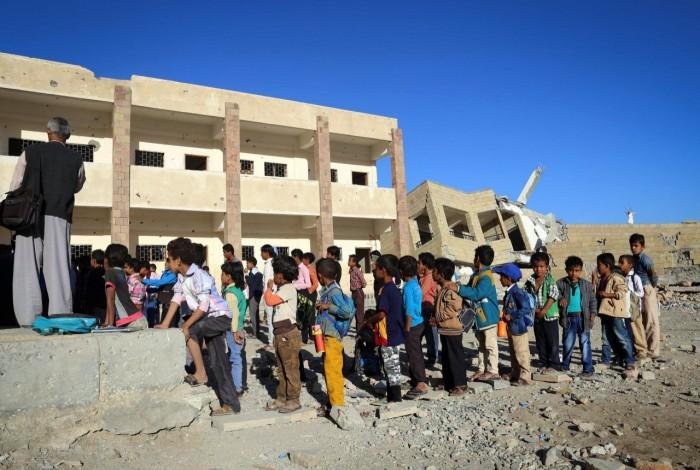 التعليم في اليمن.. إرهاب حوثي وانتشال سعودي