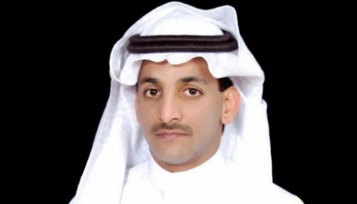 سياسي سعودي: الشرعية اليمنية مترهلة وغير قادرة على ضبط تحركات مسؤوليها