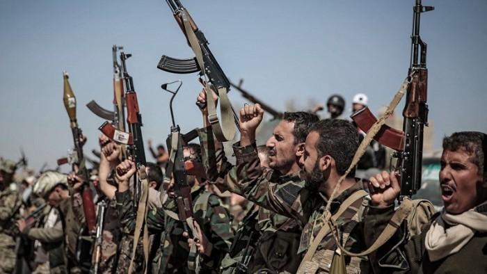العقول المفخخة.. قصة مسلح حوثي قتل شقيقه ورفيقه في جبهة الجوف