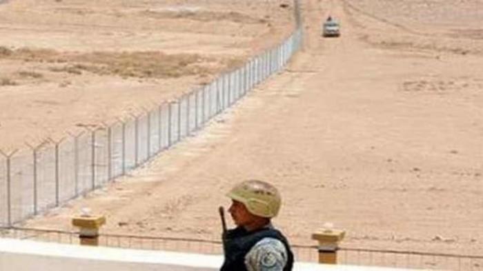 أغلبهم يمنيون وإثيوبيون.. السعودية تضبط 80 ألف متسلل إلى حدودها في عامين