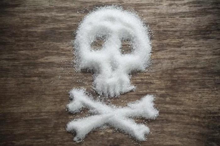 """هكذا يغذي """"السكر"""" الخلايا السرطانية ويجعل فرص الشفاء منه أصعب"""