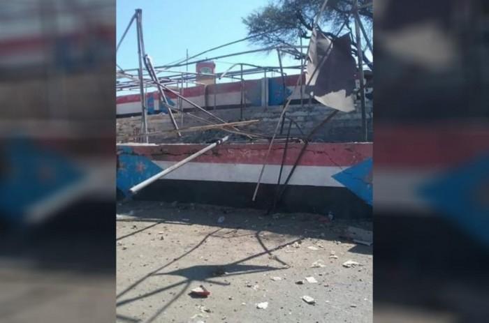 عاجل.. انفجار يستهدف تجمعا عسكريا في ملعب الصمود بالضالع