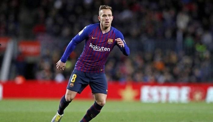 الإصابة تحرم برشلونة من آرثر في السوبر الإسباني