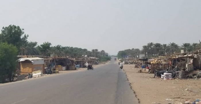 """بقذائف المدفعية..مليشيات الحوثي تقصف مواقع """"المشتركة"""" في الدريهمي"""