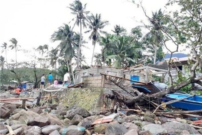 """ارتفاع حصيلة ضحايا الإعصار """"فانفون"""" بالفلبين إلى 50 قتيلا"""
