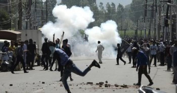 الهند تعيد خدمات الرسائل القصيرة في كشمير بعد انقطاع خمسة شهور