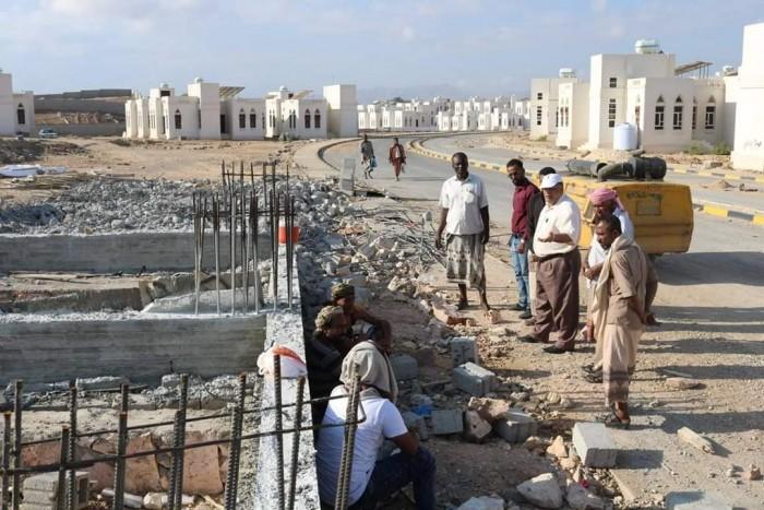 الانتهاء من أعمال ضخ مياه الشرب لمدينة خليفة السكنية بالمكلا.. قريباً