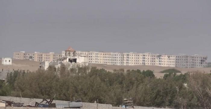 """بمدفعية الهاون..قصف حوثي عنيف على مواقع """" المشتركة"""" شرق الصالح"""
