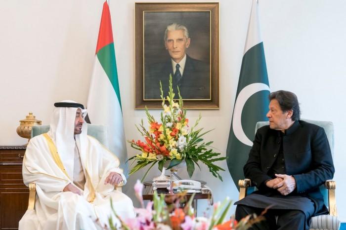 بن زايد يصل إسلام أباد ويلتقي رئيس الوزراء الباكستاني