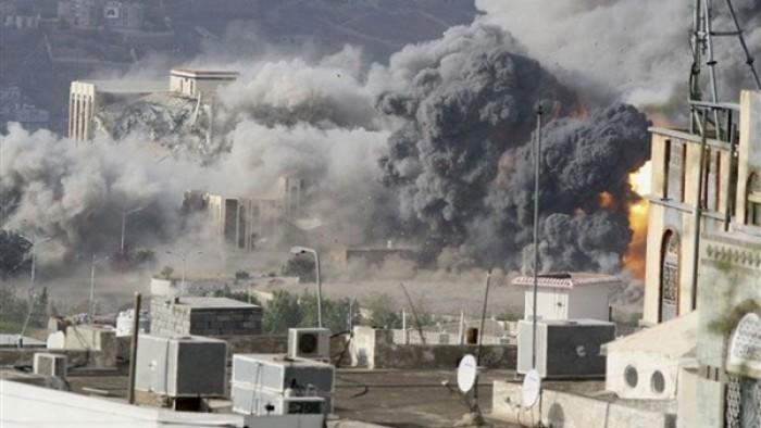 قذائف وصواريخ الضالع.. الحوثي ينتقم من اغتيال سليماني