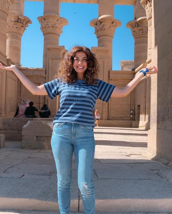 داليا مصطفى تشارك جمهورها بصورها من رحلتها بمعبد فيلة