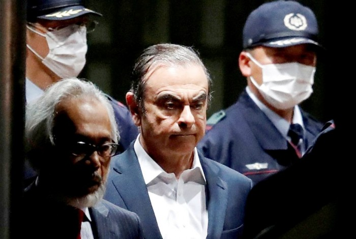 اليابان.. مذكرة دولية لاعتقال كارلوس غصن