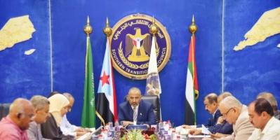 """""""الانتقالي"""" يطالب التحالف العربي بوقف خروقات الشرعية ومليشياتها"""