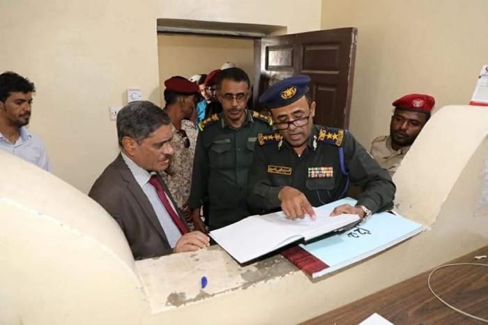 محافظ حضرموت يتفقد مديرية الأمن (صور)