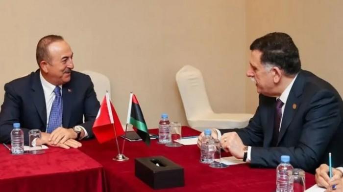 الرئيس الجزائري يستقبل رئيس حكومة الوفاق الليبية اليوم