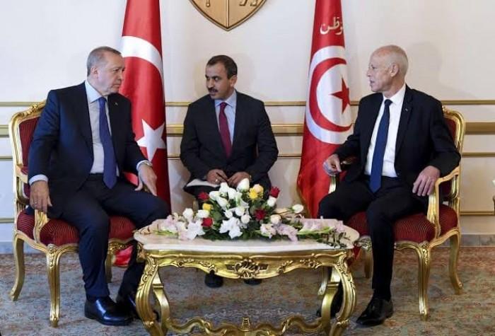 الرئاسة التونسية: رفضنا طلب أردوغان لاستخدام مجالنا الجوي أو حدودنا بالوصول التركي إلى ليبيا