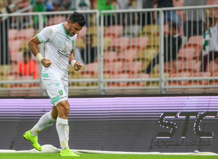 السومة يقود هجوم الأهلي أمام الهلال في قمة الدوري السعودي