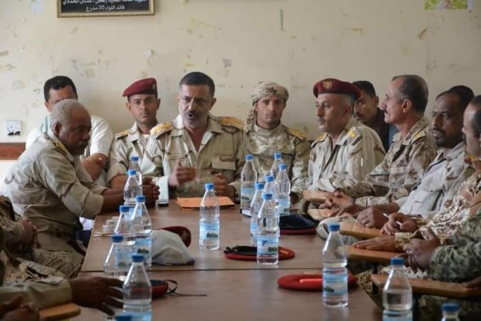 """في رسالة نارية..قيادة اللواء 35 لـ """"مليشيات الإخوان"""": لن نتوانى عن الدفاع عن أبناء تعز"""