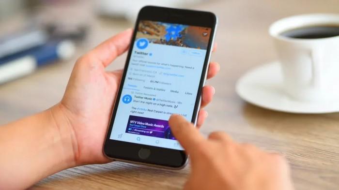 """""""تويتر"""" يبدأ اختبار وسائل جديدة للحد من المضايقات"""
