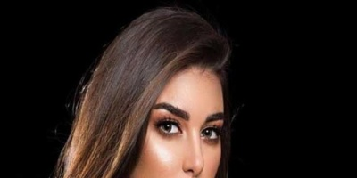 ياسمين صبري تتألق بالأزرق في أحدث جلسة تصوير (فيديو)