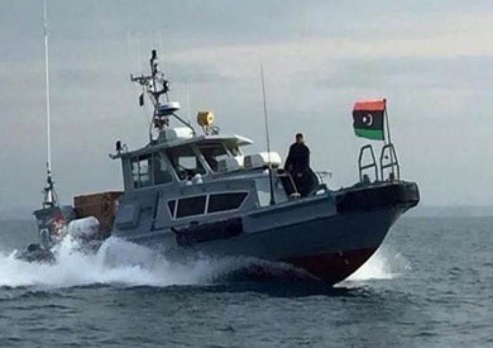 الجيش الليبي يأمر بمنع السفن من الإبحار إلى ميناءي مصراتة والخمس